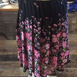 Dresses & Skirts - 3/$20 floral skirt